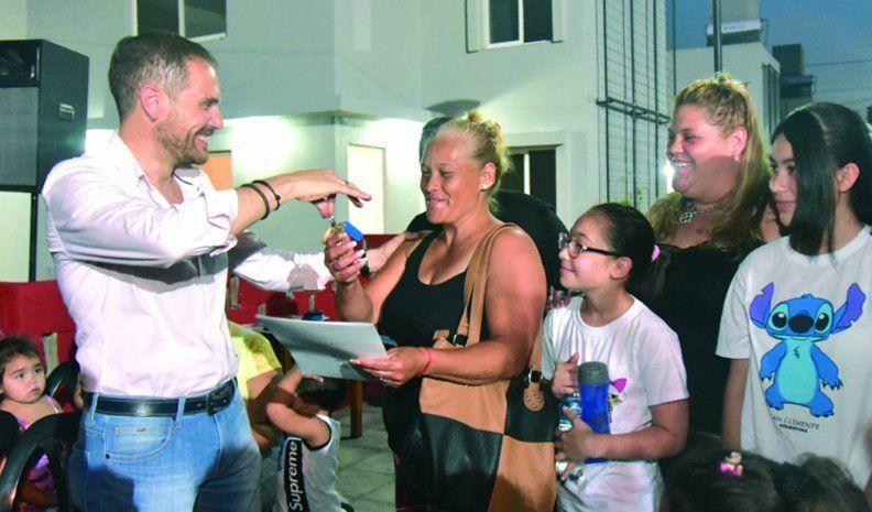 Inauguraron las viviendas sustentables en barrio Los Olmos