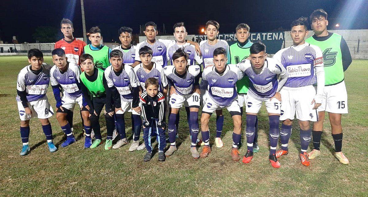 El elenco de Reserva de Deportivo Argentino que el miércoles se impuso 2-0 a Unión de Arroyo Algodón y quedó a 1 punto del líder Alem.