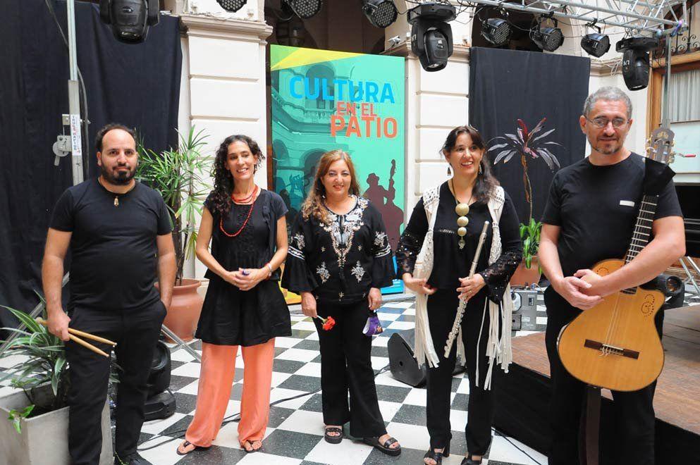 Aguamarina música clara se presenta en Cultura en el Patio.