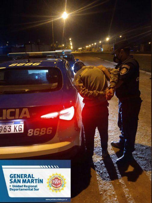 El hombre de 28 años fue aprehendido por efectivos policiales.