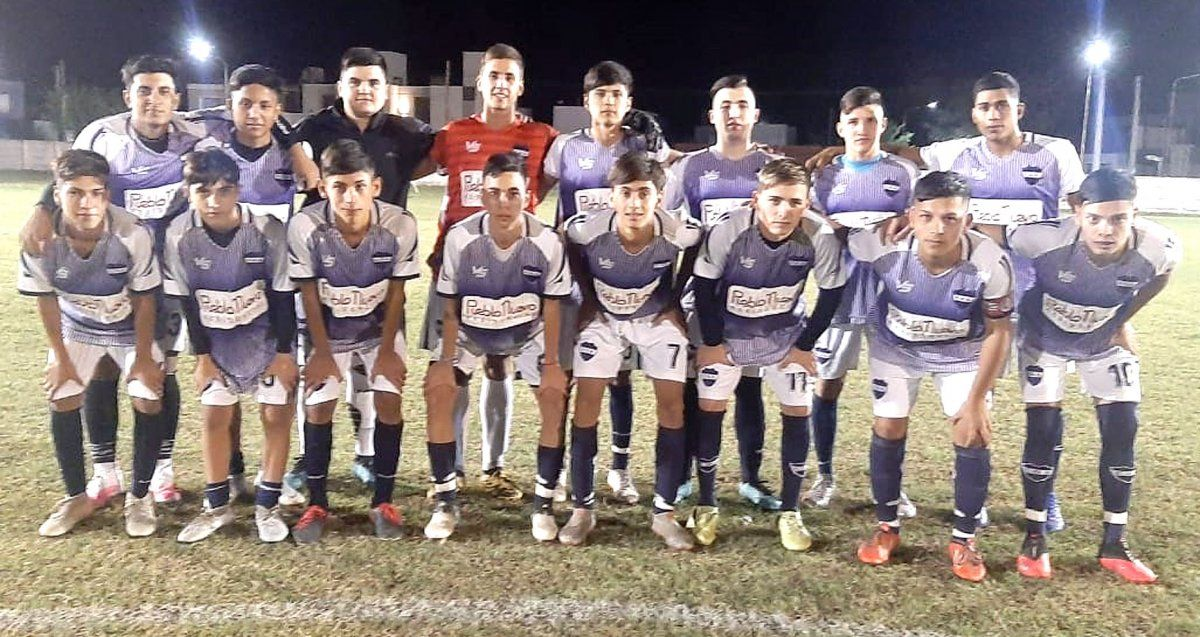 Los pibes de la Reserva de Deportivo Argentino. El domingo recibirá a Unión Social de Alto Alegre en barrio Nicolás Avellaneda.