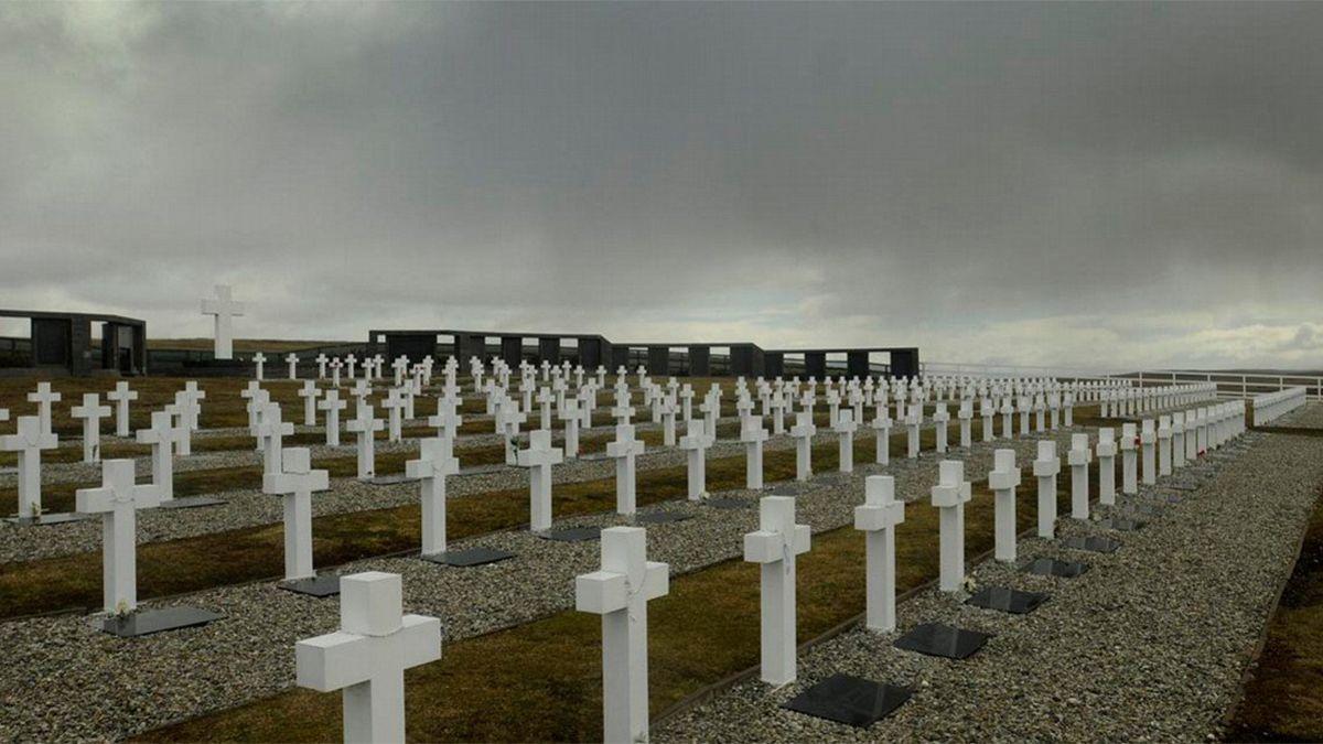 El Comité Internacional de la Cruz Roja informó las identificaciones de seis soldados argentinos.