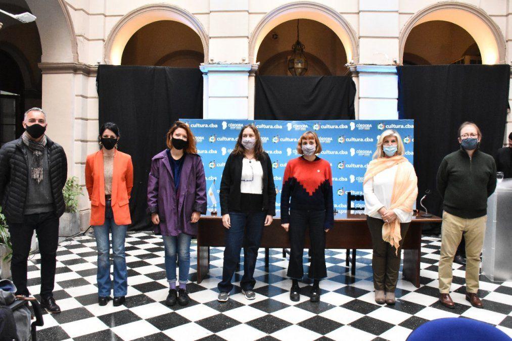 Las ganadoras del Salón de las Mujeres recibieron sus premios en Córdoba