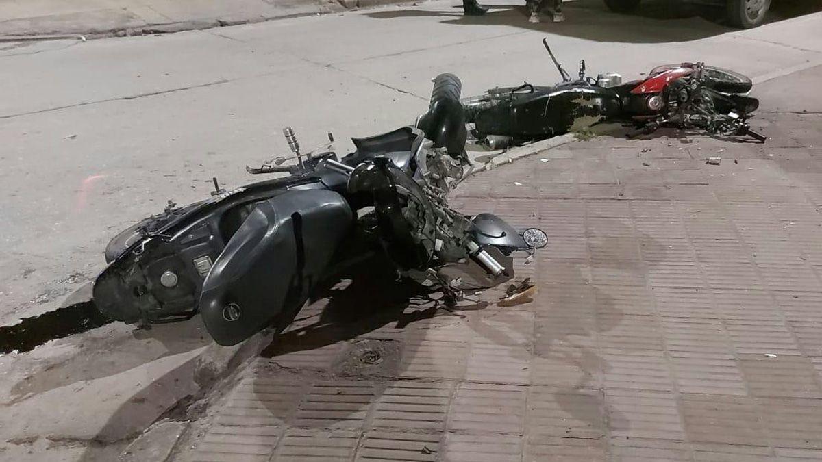Dos motociclistas sufrieron lesiones de carácter grave esta mañana al colisionar en la intersección de Saint Remy y 9 de Julio.