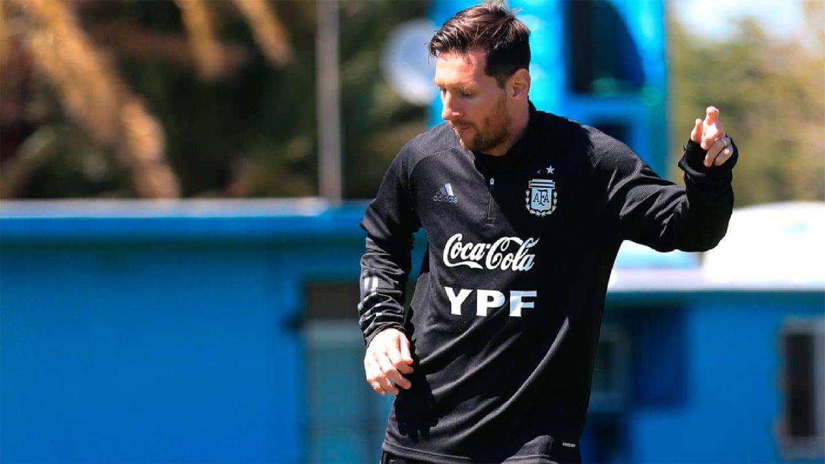 Toda la esperanza en la generación de juego ofensivo está en los pies de Lionel Messi.