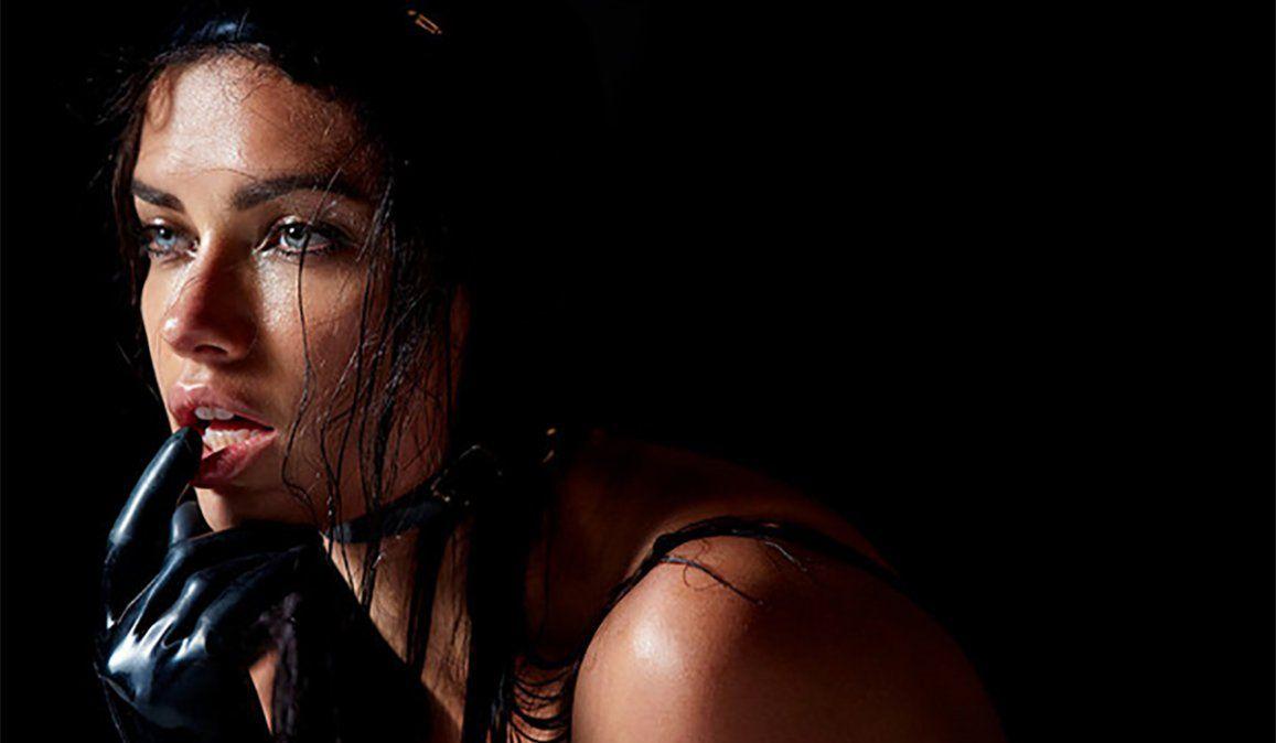 La modelo Adriana Lima en el Calendario Pirelli 2015