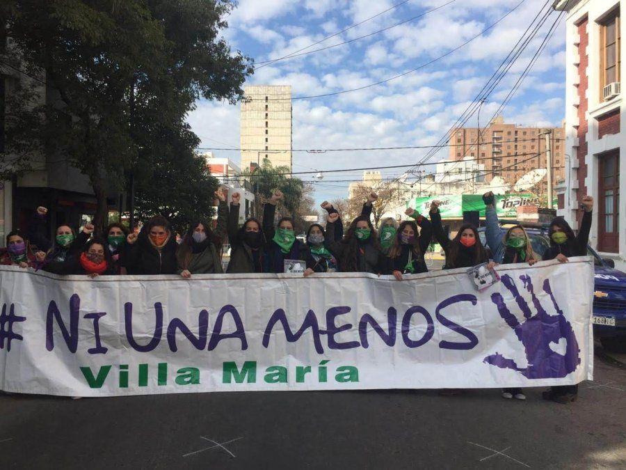 El 3 de junio del 2020 los feminismos de la ciudad se movilizaron frente a Tribunales para pedir por la ola de femicidios.