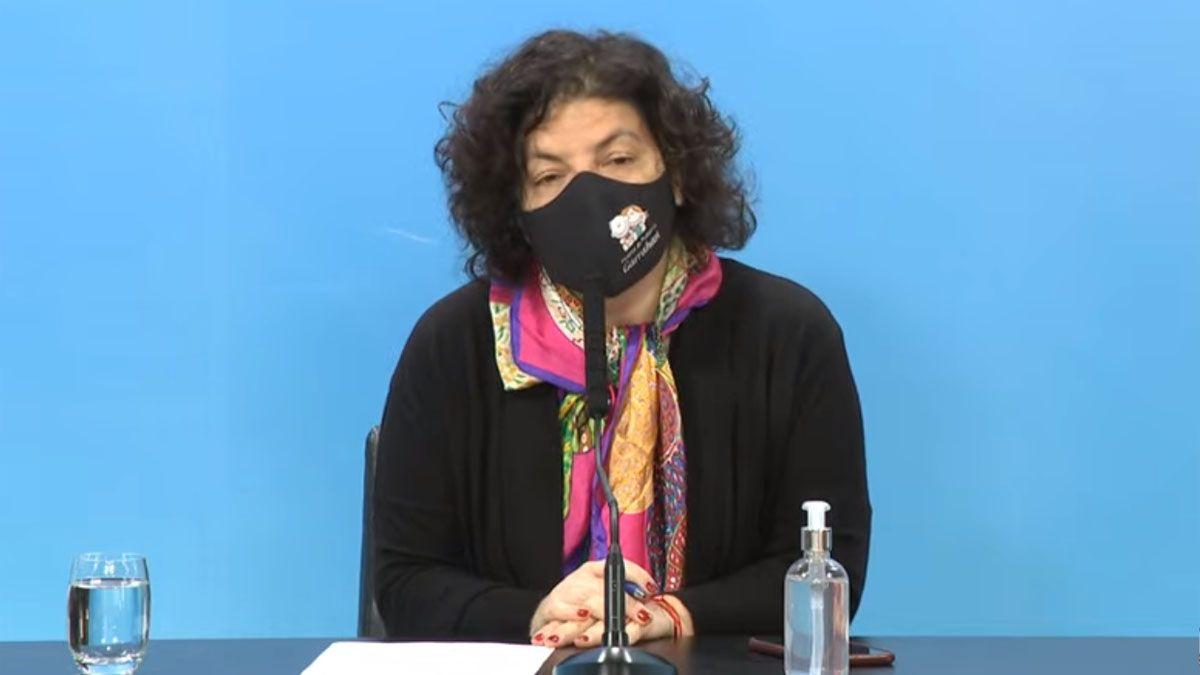 Carla Vizzotti encabeza una conferencia de prensa en la Casa Rosada.