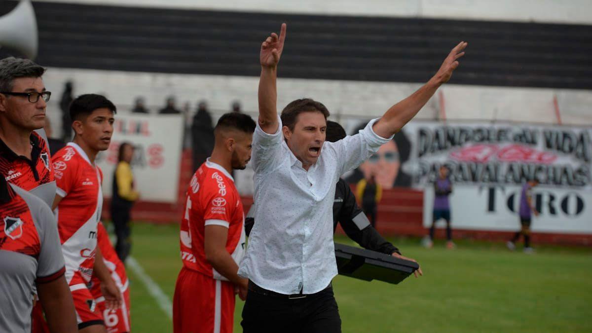 Luciano Theiler ascendió con Deportivo Maipú a la Primera Nacional