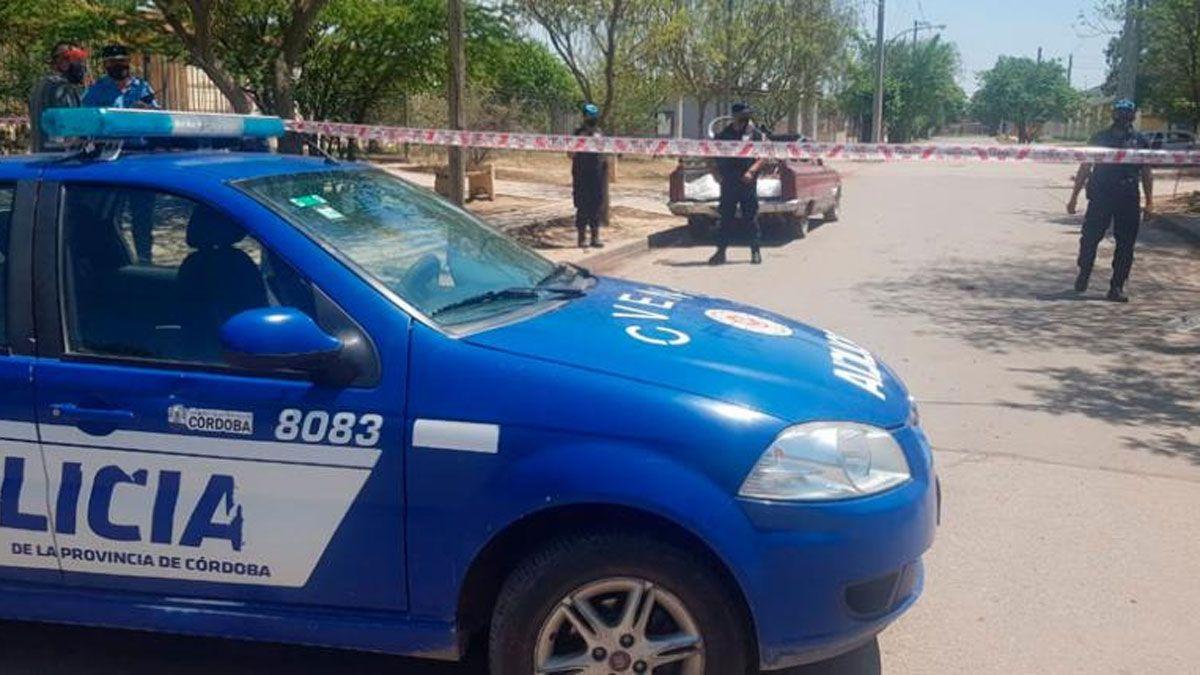 La policía realiza las investigaciones en el barrio.Foto: El DoceTV
