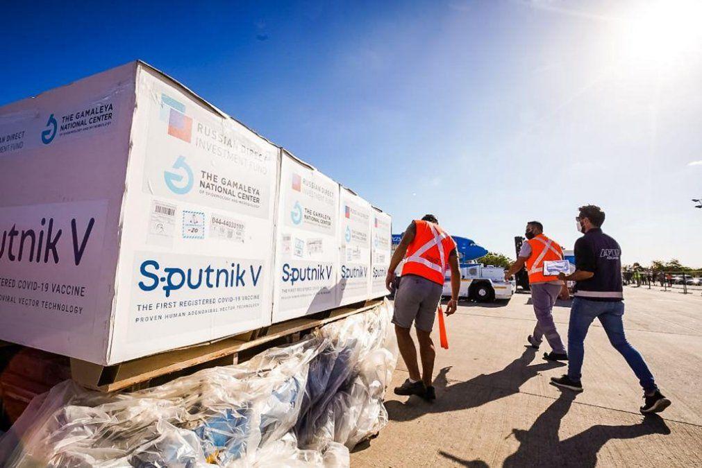Llegan más Sputnik V: Argentina superará las 7 millones de vacunas