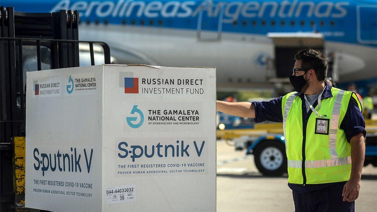 Llegó el noveno vuelo de Aerolíneas Argentinas con 370 mil dosis de vacuna Sputnik V