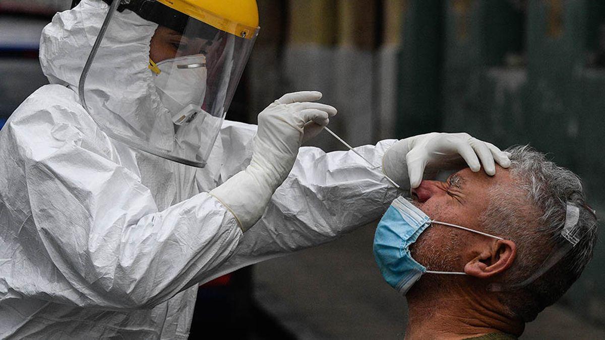 La OMSinsta a intensificar las medidas para contener el avance de la pandemia
