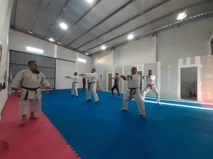 Karate do: comenzaron las clases en la Escuela Miyazato