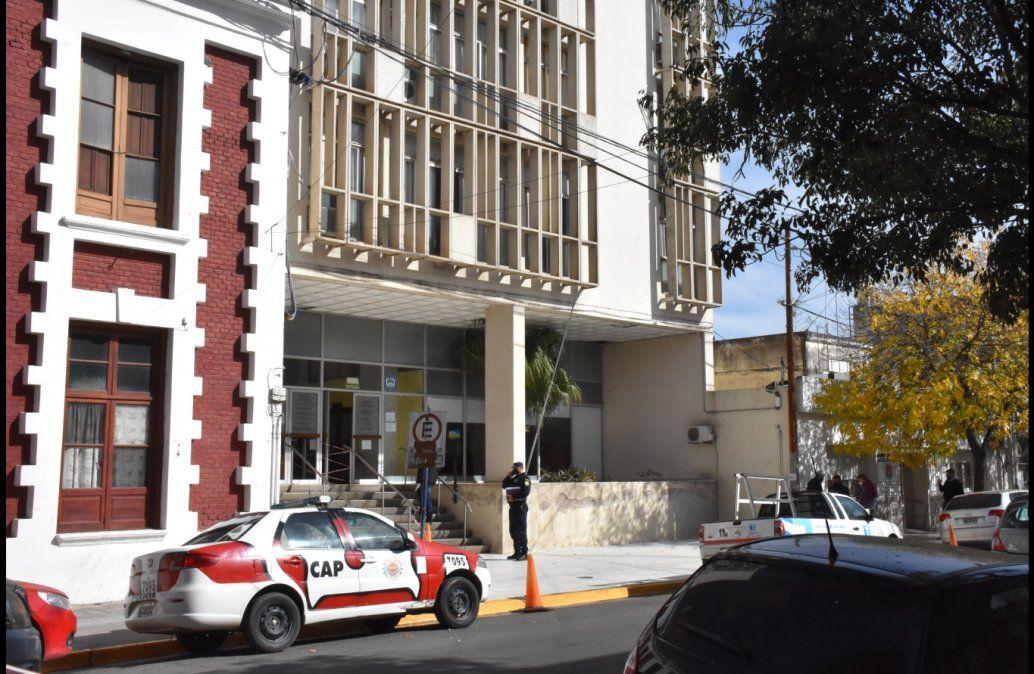 Jefa de la Fuerza Antidrogas y su pareja policía, detenidos por integrar una supuesta organización narco