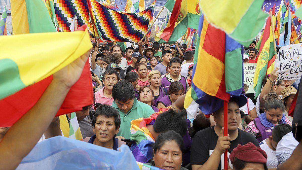Adiverten que en Córdoba hay 30 mil bolivianos sin documentarse.