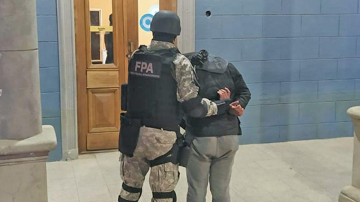 La mujer detenida en Huinca Renancó comercializaba drogas junto a sus hijos.