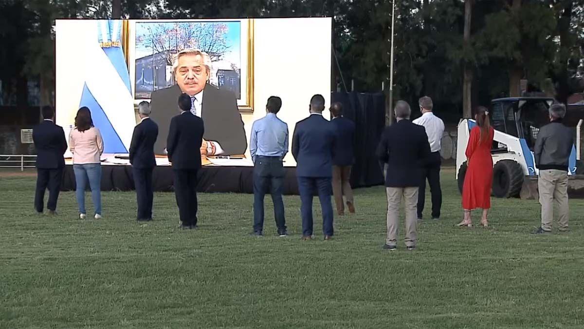 Alberto Fernández realizó anuncios para la provincia de Buenos Aires.