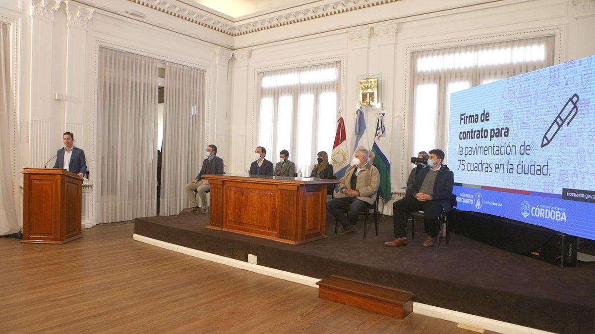 El acto se desarrolló en el Salón Blanco Municipal.