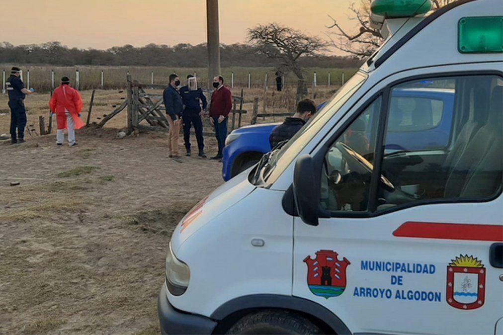 Bosio recorre la escena del crimen en Las Mojarras