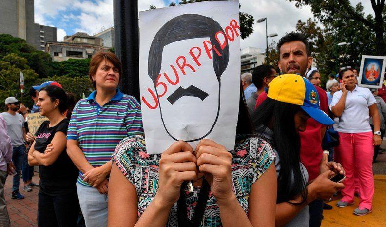 El gobierno argentino flexibilizó los requisitos para el ingreso de migrantes venezolanos