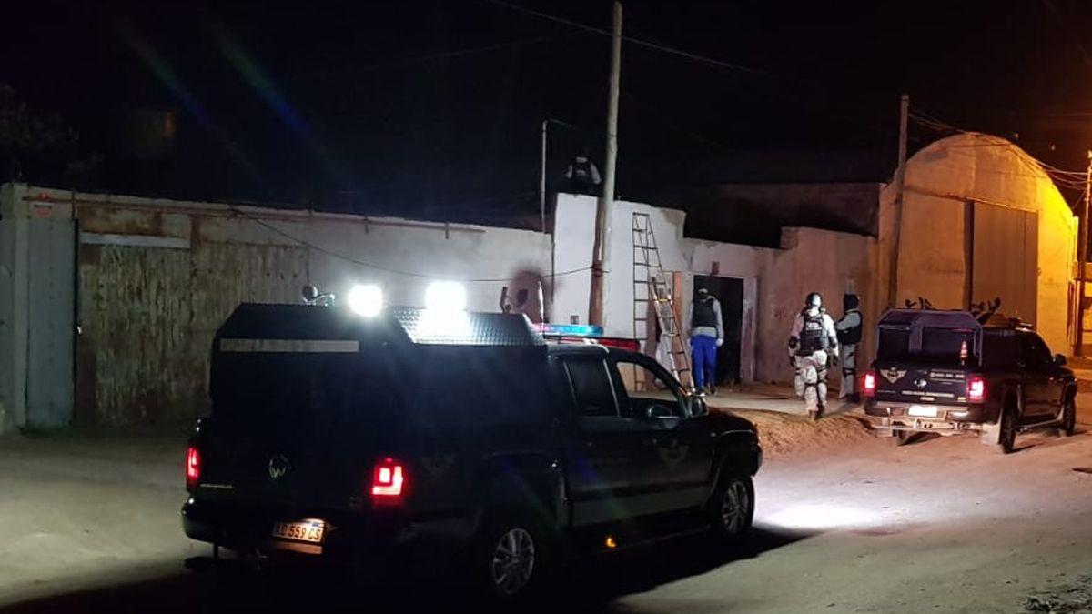 Uno de los allanamientos se realizacó en Agente José Duarte al 700.