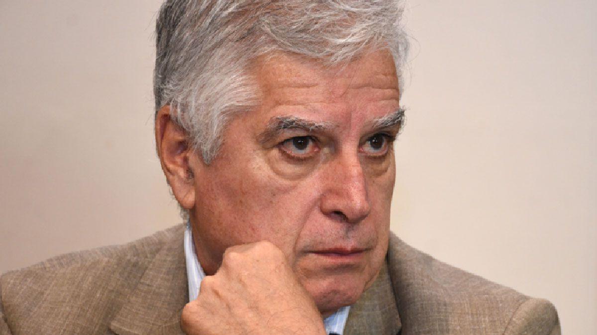 Carlos Gutiérrez.