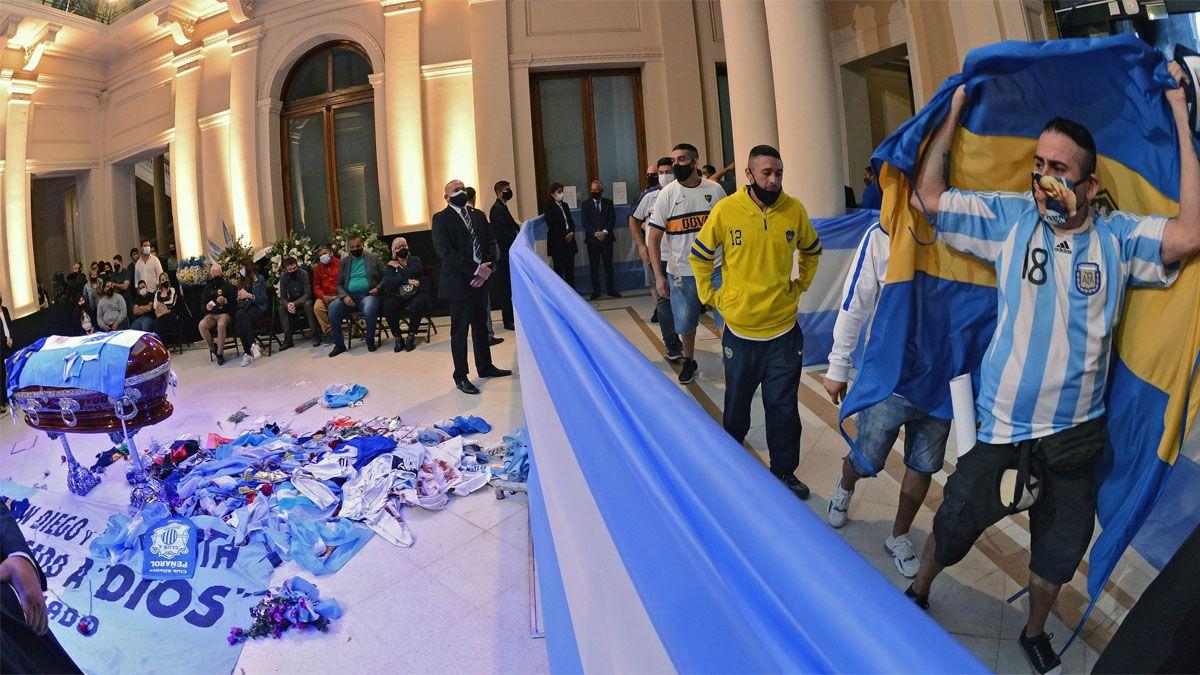 Despedida de los restos de Diego Maradona en la casa Rosada.
