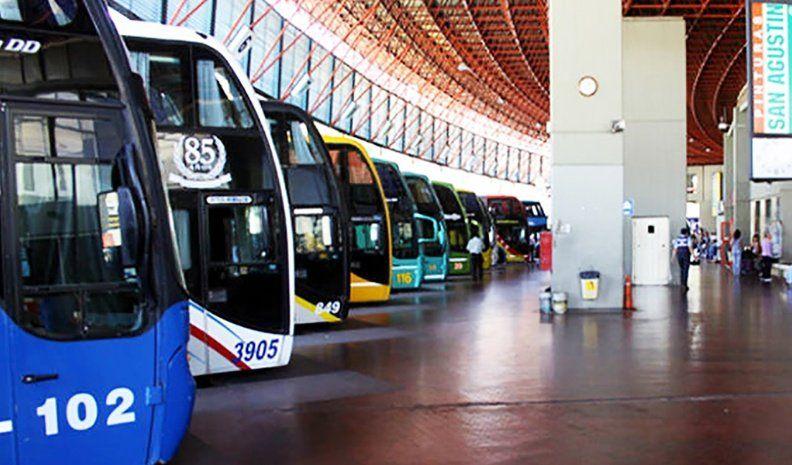 Transporte: empresas advierten que hay un atraso del 60% en los boletos
