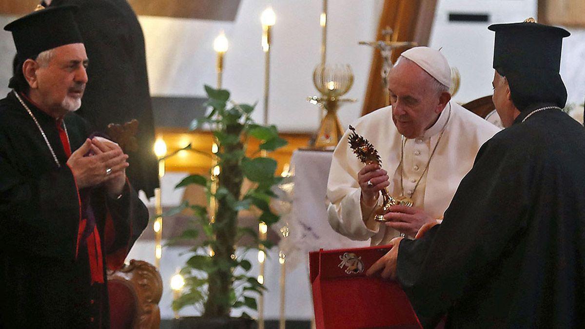 El Papa abogó en Irak por terminar con la violencia y el extremismo
