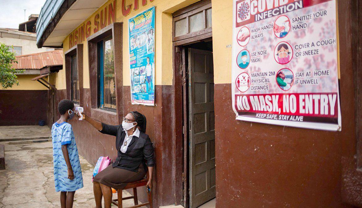 Países multiplican negociaciones para asegurarse las vacunas