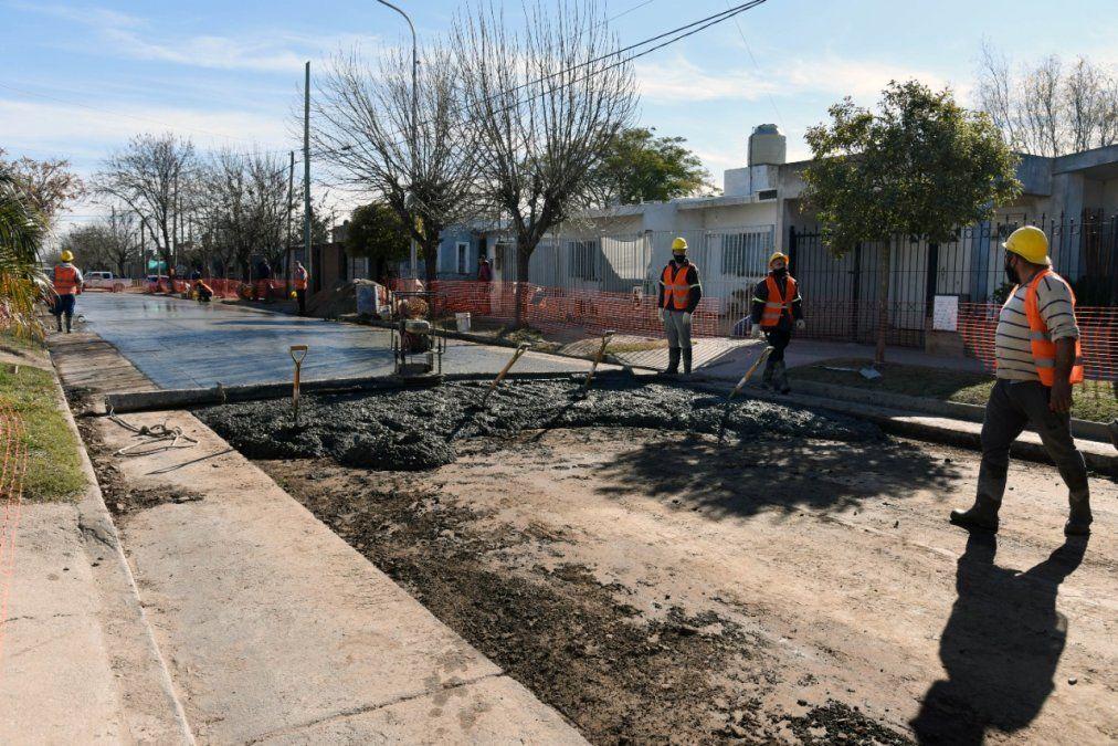 Avanzan las tareas de pavimentación en barrio San Nicolás