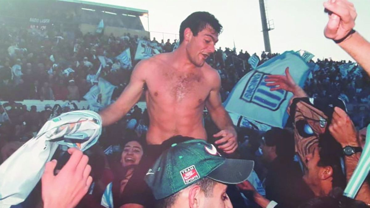 Javier Baggini fue el goleador del equipo de Racing de Córdoba que en 1999 logró el ascenso al Nacional B.