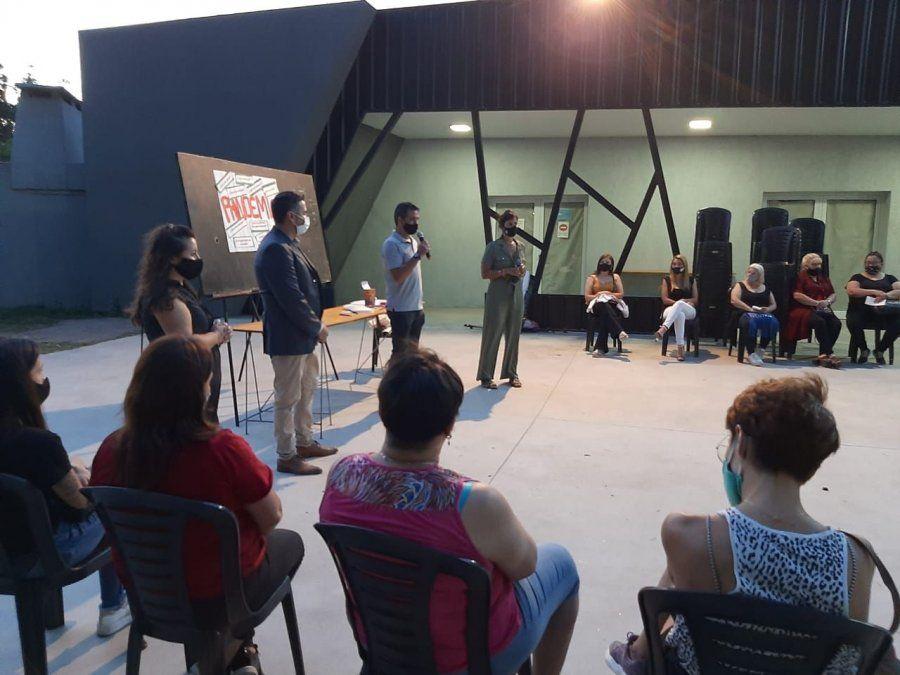 El Colectivo de Mujeres llevó adelante una charla
