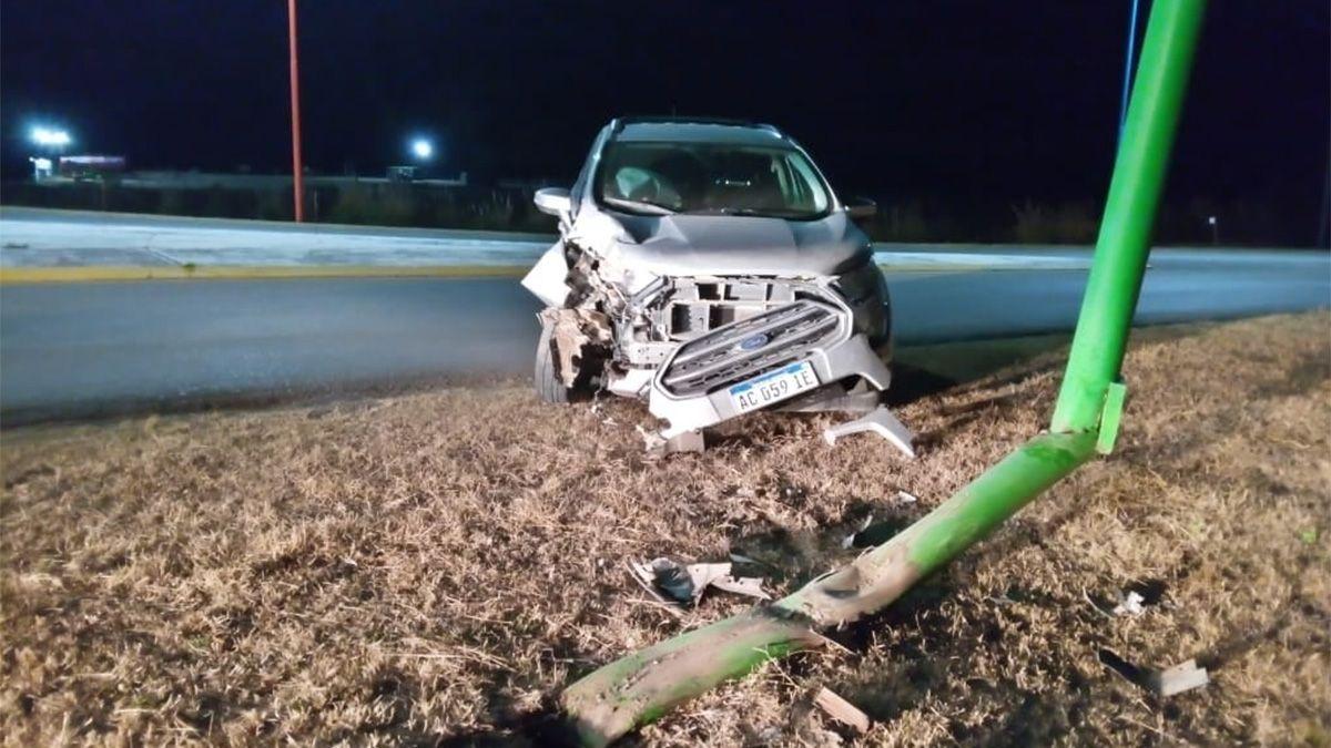 El vehículo despistó en el acceso sur a la localidad de Alcira Gigena