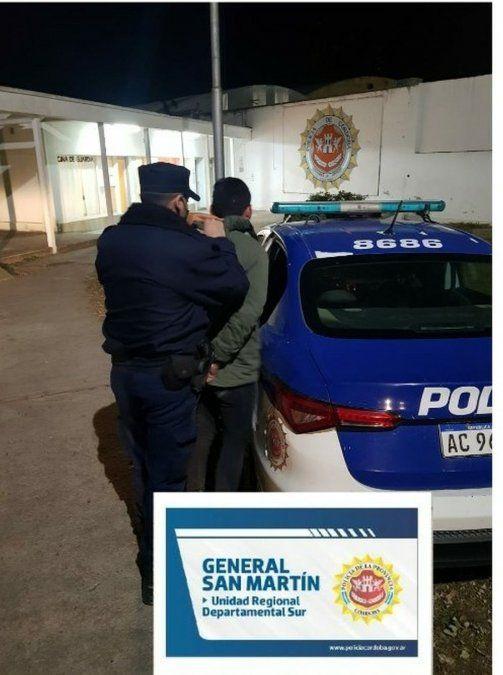 Dos detenido por disturbios en la vía pública