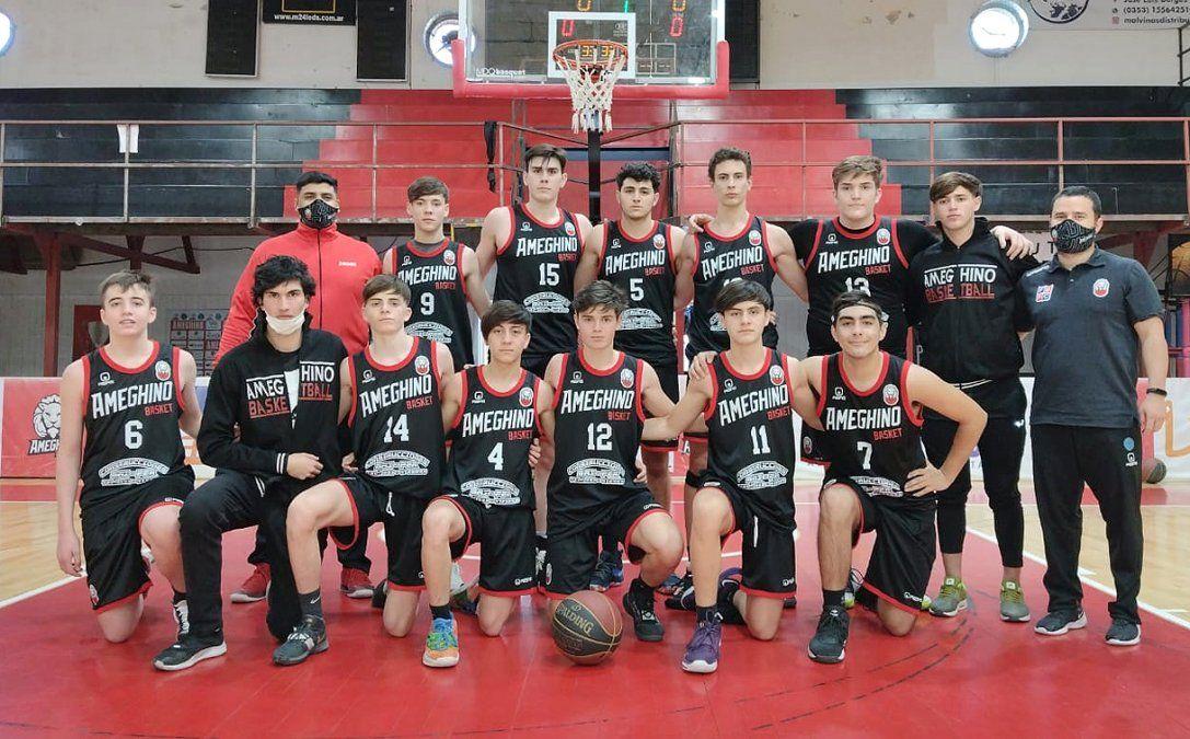 El elenco de categoría U17 de Ameghino que derrotó a Maipú de Córdoba por 72 a 64.
