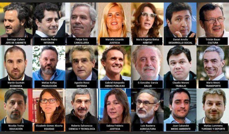 """Fernández designó a sus 21 ministros y los convocó """"a hacer la epopeya"""""""