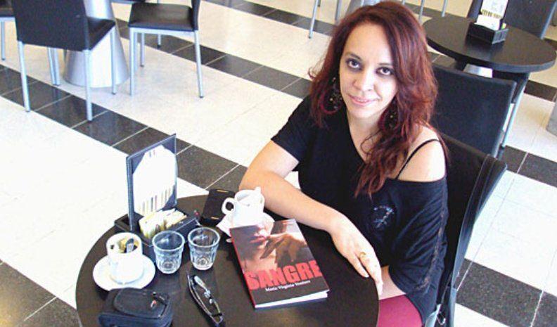 """Virginia Ventura presenta """"Sangre"""", su libro de vampiros made in Villa Nueva"""