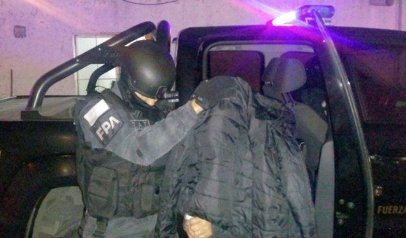 "La FPAcerró un ""kiosco"" de drogas  que reabrió la madre de un detenido"