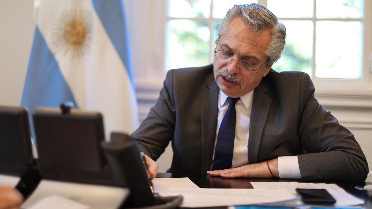 El presidente Alberto Fernández mantuvo contacto con la canciller alemana