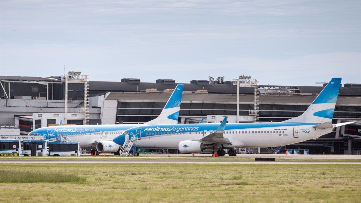 El Gobierno habilitará vuelos de cabotaje y micros de larga distancia.