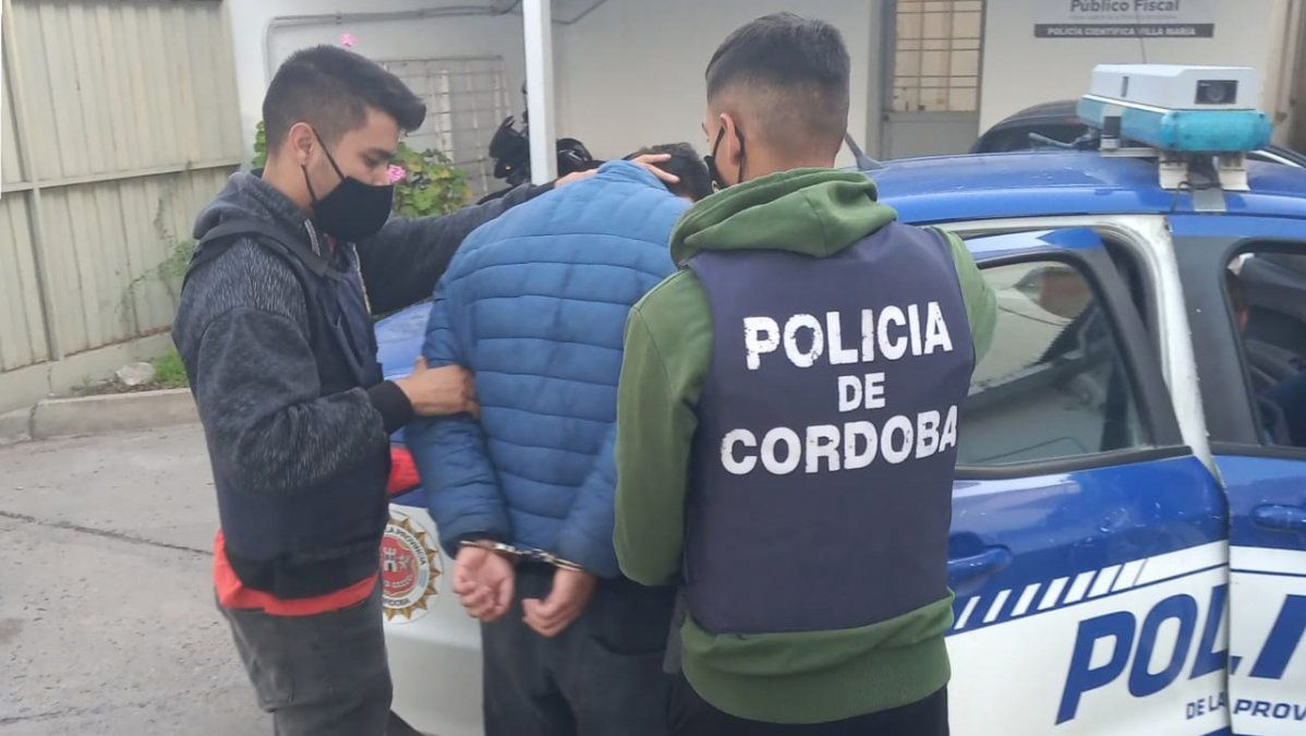 Rodrigo Balmaceda se entregó voluntariamente en la sede de la Unidad Judicial.