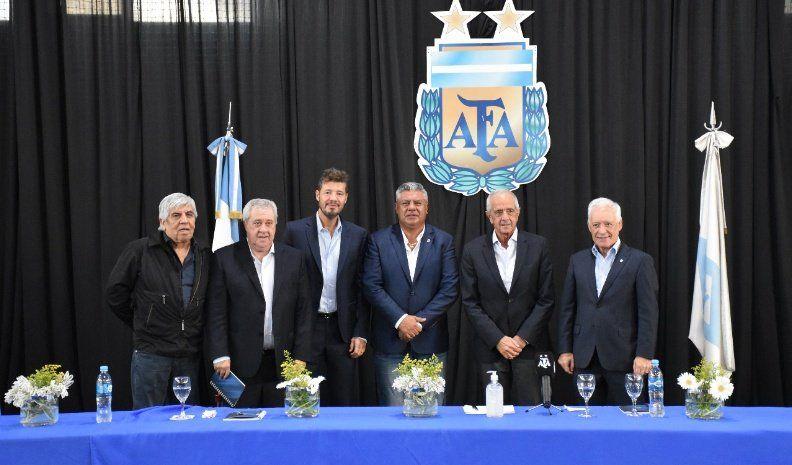 Internas en la AFA por el contrato de TV