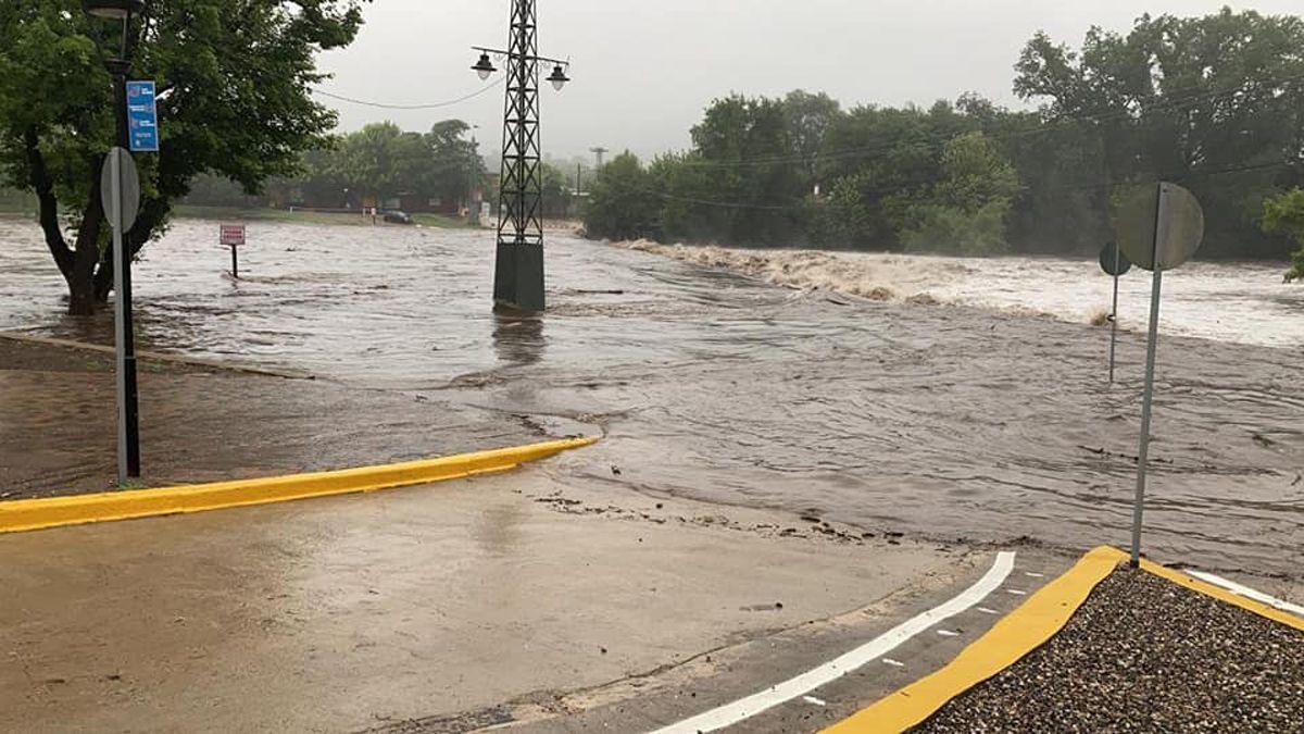 Uno de los vados del río en Santa Rosa de Calamuchita. Fuente: Facebook Flash FM