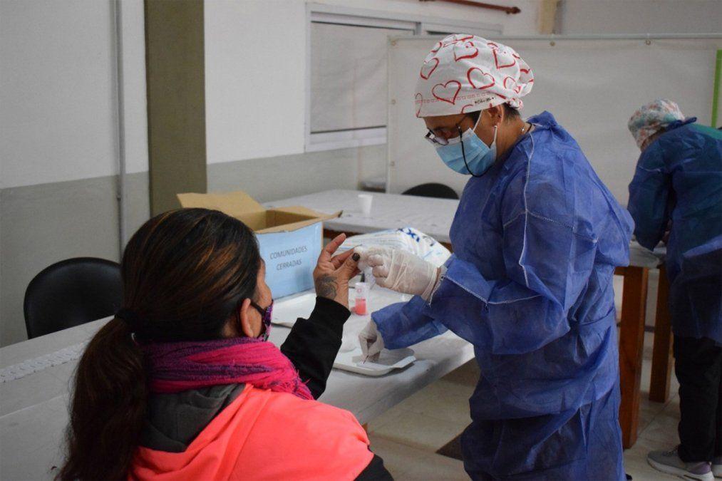 La provincia sumó otros 6 casos Delta y superó los 100 infectados