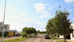 """Vecinos del barrio aseguran que este año se empezó a sentir cada vez más seguido y """"hay personas que lo sienten más cerca y depende del viento""""."""