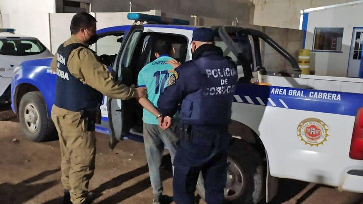 El hombre fue detenido tras intentar huir en un caballo robado.