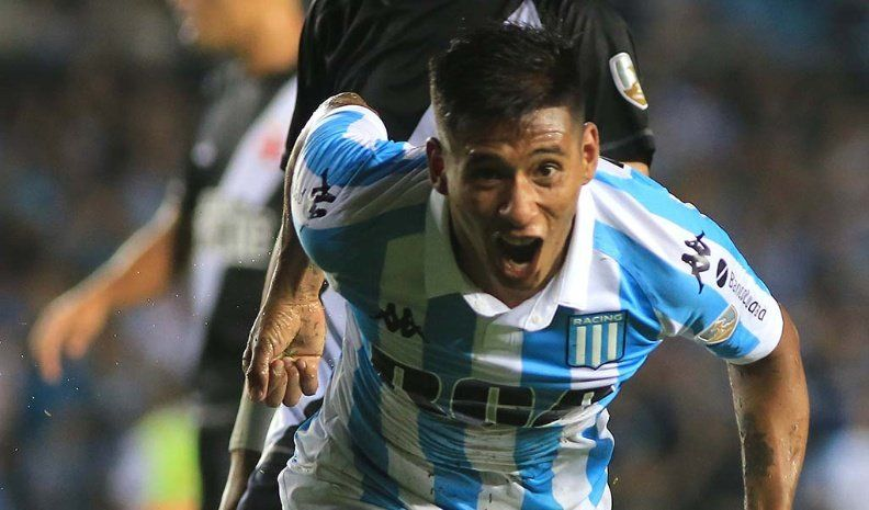 Racing recibe a Arsenal
