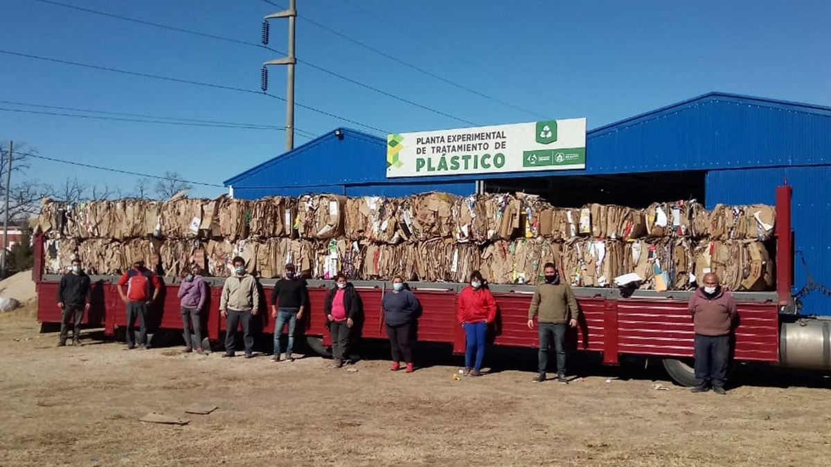 La venta de los 13 mil kilos de cartón se realizó con una empresa local.